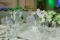 Elegant table set up for wedding banquet Royalty Free Stock Photos