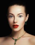 elegant trendig smyckenkvinna för begreppsframsida för skönhet blå ljus kvinna för makeup för mode Royaltyfria Foton