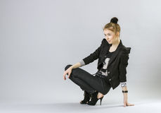 Elegant ung kvinna arkivfoto