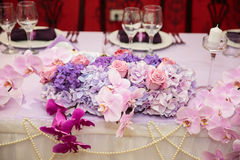 Elegant wedding table decoration Stock Images