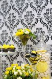 Elegant yellow and black sweet table Stock Photography