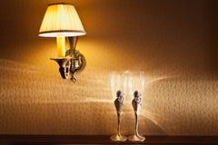 Eleganta gifta sig exponeringsglas och lampetter Royaltyfri Fotografi