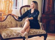 Elegante Afrikaans-Amerikaanse Vrouw Royalty-vrije Stock Afbeelding