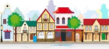 Elegante alte Straße einer Kleinstadt Stockbilder