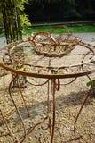 Elegante antiquiteit gevormde het meubilairreeks van de ijzertuin, hoge lijst stock foto