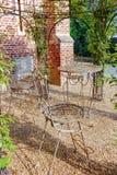 Elegante antiquiteit gevormde het meubilairreeks van de ijzertuin, hoge lijst stock afbeelding