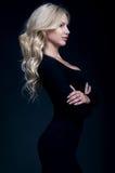 Elegante blonde Frau Stockfotografie
