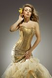 Elegante blonde Schönheit Lizenzfreie Stockfotos