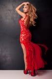 Elegante Blondine im Kleid Lizenzfreies Stockbild