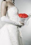 Elegante bruid met bos van rozen royalty-vrije stock fotografie