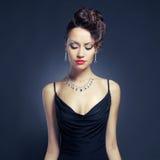 Elegante dame in avondjurk royalty-vrije stock foto's