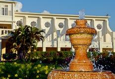 Elegante fontein voor herenhuis Stock Afbeeldingen