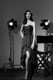 Elegante Frau mit klassischer Hollywood-Welle Stockfotografie