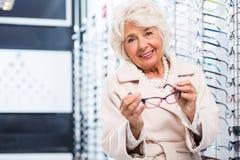 Elegante Gläser für eine elegante Dame Lizenzfreies Stockfoto