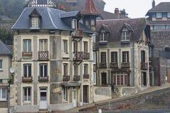 Elegante huizen van Fecamp Frankrijk in Normandië Stock Foto
