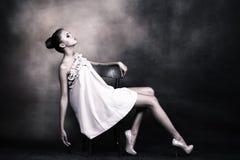 Elegante junge Frau Stockfotos