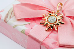 Elegante juwelen met brilliants royalty-vrije stock fotografie
