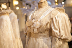 Elegante lichte kleding op ledenpop Stock Afbeelding