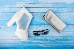 Elegante Moderne Hoge Wi van het Leerschoenen van de Hielvrouw Witte en Zwarte Stock Foto's