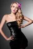 Elegante modieuze vrouw Stock Fotografie