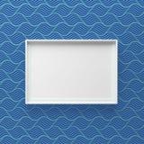 Elegante omlijsting die zich op muur met donker golfpatroon bevinden royalty-vrije stock fotografie