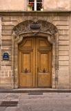 Elegante Pariser Tür lizenzfreie stockbilder