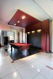 Elegante Poolhalle Lizenzfreie Stockfotos