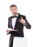 Elegante slanke mens met een spottende uitdrukking Stock Foto's