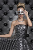 Elegante vrouw bij Carnaval-partij Royalty-vrije Stock Foto