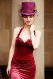 Elegante vrouw met cilinder Royalty-vrije Stock Afbeeldingen