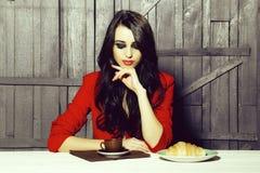 Elegante vrouw op lunch royalty-vrije stock foto's
