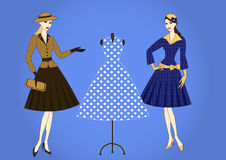 Elegante vrouwen in retro stijl Stock Afbeeldingen