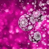 Elegante Weihnachtskarte mit Kugeln. Stockbild