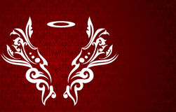 Eleganter Engelsflügel auf rotem Hintergrund Stockbilder