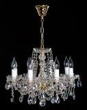 Eleganter Kristall-strass Leuchter mit acht Lampen Stockfoto
