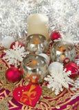 Eleganter Tabellendekor des Weihnachtskerzenlandes Lizenzfreie Stockbilder