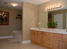 Elegantes Badezimmer lizenzfreies stockbild