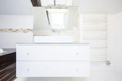 Elegantes Badezimmer Stockbilder