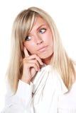 Elegantes blondes durchdachtes buisinesswoman Stockbilder