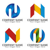 Elegantes Buchstabe- Nkonzept-Logo Stockbilder