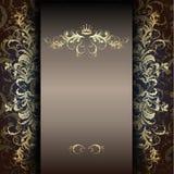 Elegantes Goldmuster auf einer Dunkelheit Stockbilder