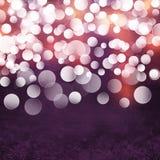 Elegantes strukturiertes Schmutz-Purpur, Gold, rosa Weihnachtsleuchte Bokeh Hintergrund Lizenzfreies Stockbild