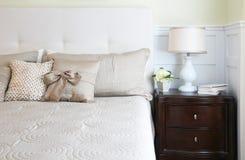 Elegantes Vorlagenschlafzimmer stockbilder