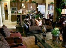 Elegantes Wohnzimmer lizenzfreie stockfotos