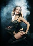 Elegantiedame in de lingerie Stock Fotografie