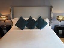 elegantt sovrum arkivfoton