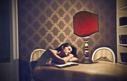 Elegantt ta sig en tupplur Royaltyfri Foto
