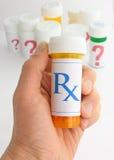 Elegir la medicina correcta Imagen de archivo libre de regalías