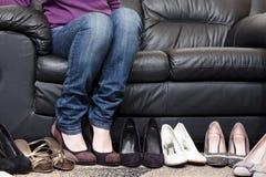 Elegir los zapatos Foto de archivo libre de regalías