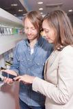 Elegir un teléfono Imágenes de archivo libres de regalías